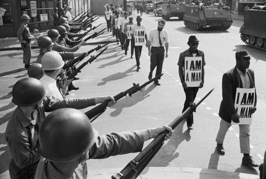 soldiers-at-civil-rights-protest-517322898-59a89d16d088c000106195e3